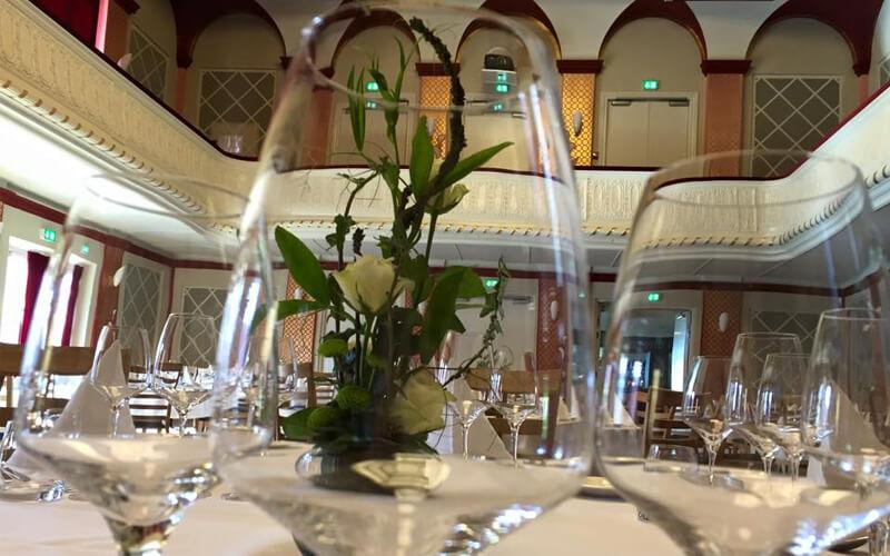 Fest i Guldsalen Restaurant Borgerforeningen Svendborg Teater
